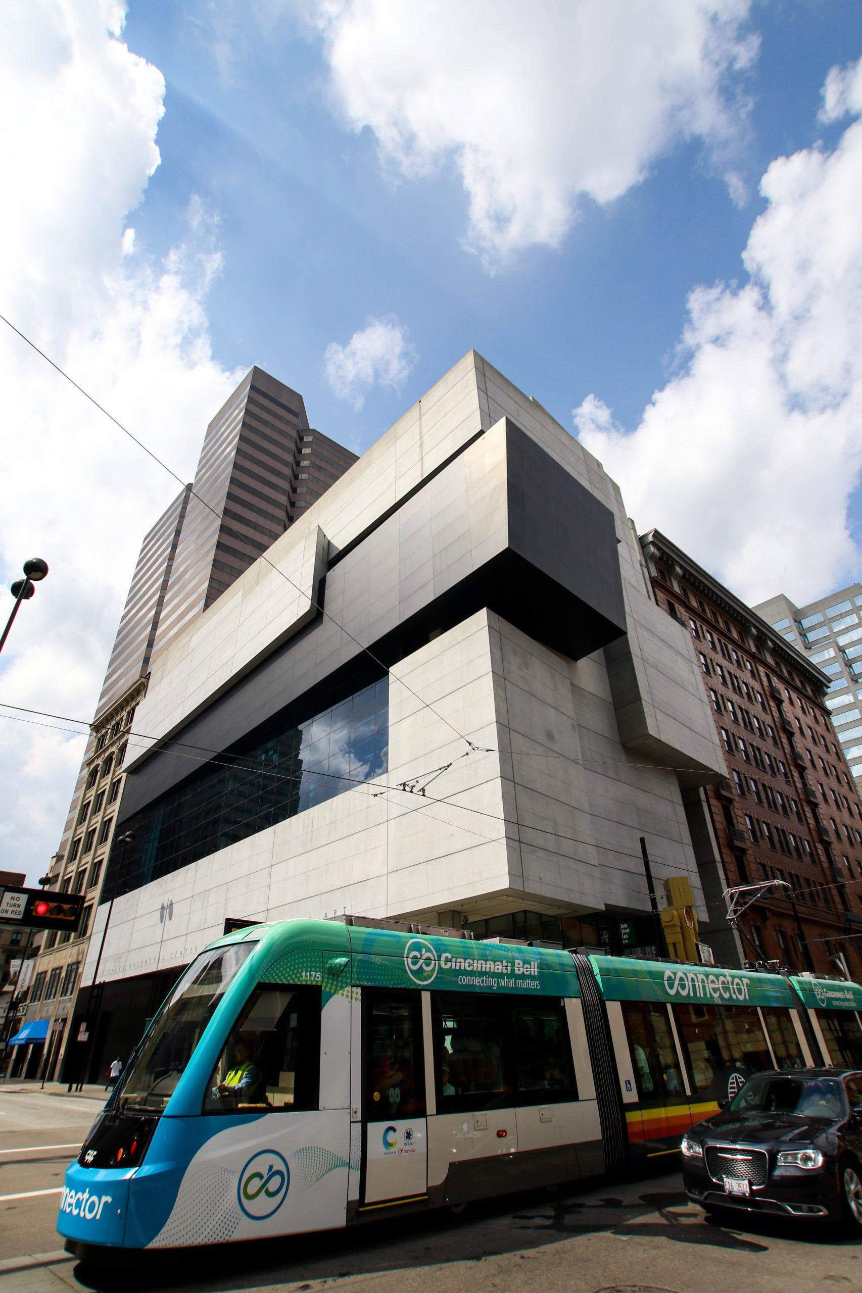 Cincinnati streetcar driving by Contemporary Art Museum