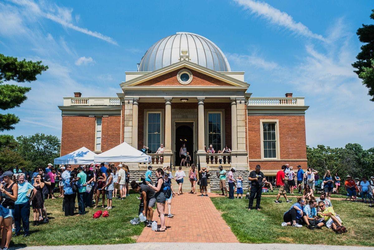crowds outside Cincinnati Observatory